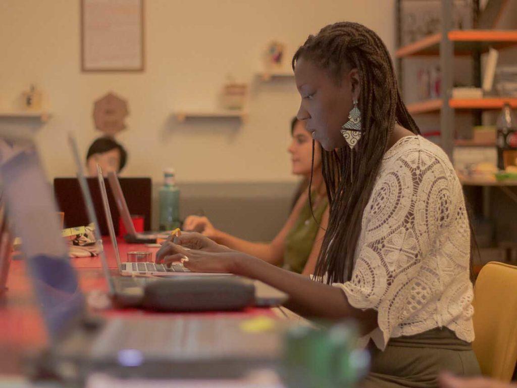 Conheça as mulheres negras que produzem tecnologia no Brasil